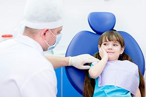 Удаление молочных и постоянных зубов